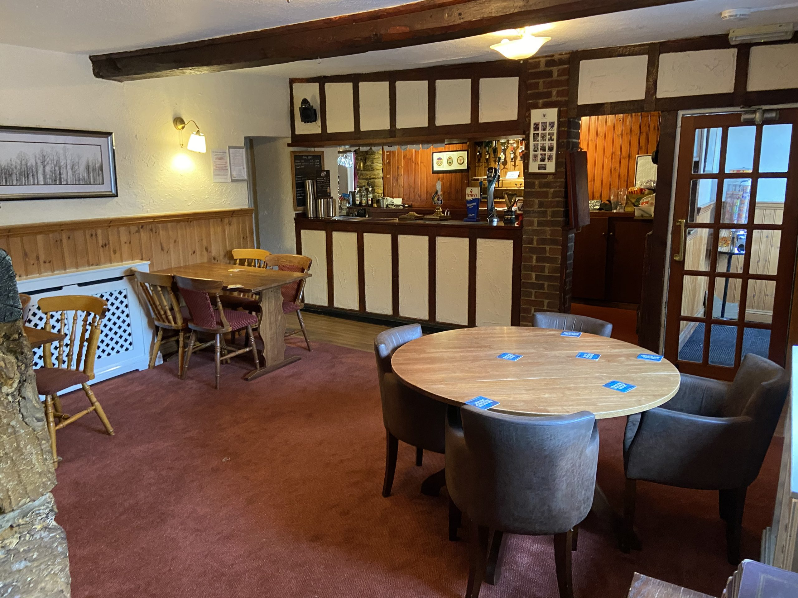 Inside the Royal Oak at Walgrave's dining area